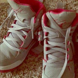 5 Y PINK & grey Jordan's